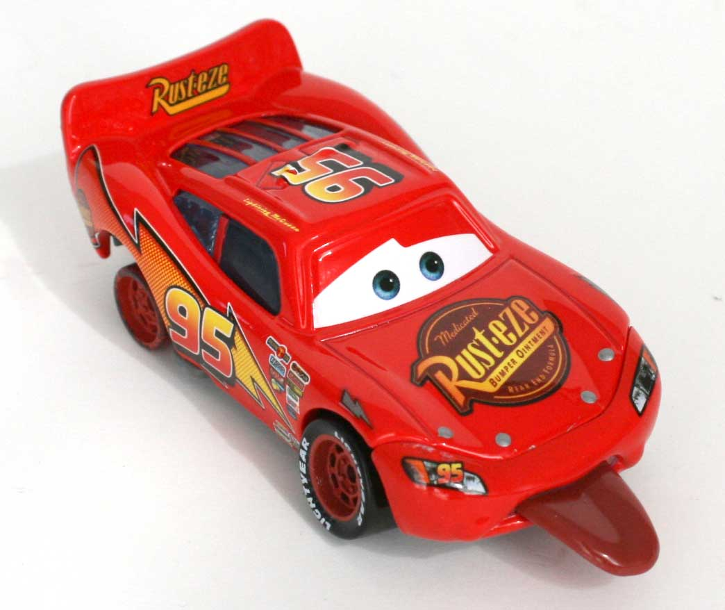 mattel race o rama flash mcqueen tire la langue 2009. Black Bedroom Furniture Sets. Home Design Ideas