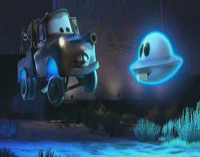 Marteau apprend à Martin comment voler (Cars Toon - Pixar)