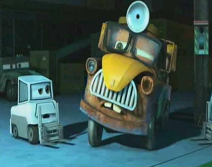 Martin se déguise en scientifique pour libérer Marteau (Cars Toon - Pixar)