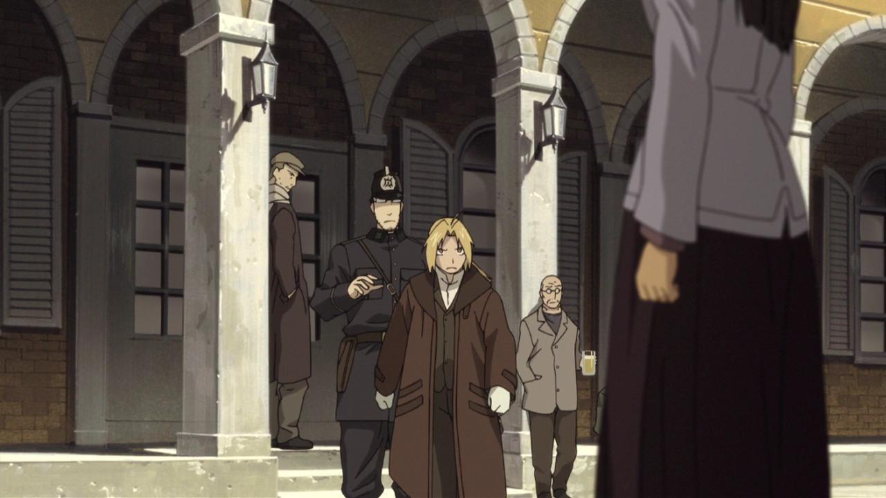 Edward Elric énervé par Hughes dans le film Conqueror of Shamballah (Fullmetal Alchemist)