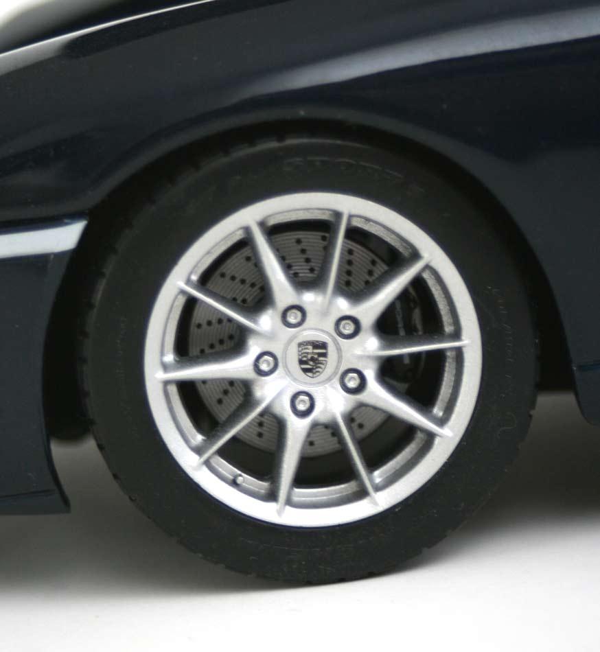 Maisto : Porsche 911 Targa (type 996) - ech 1/18 (2002)