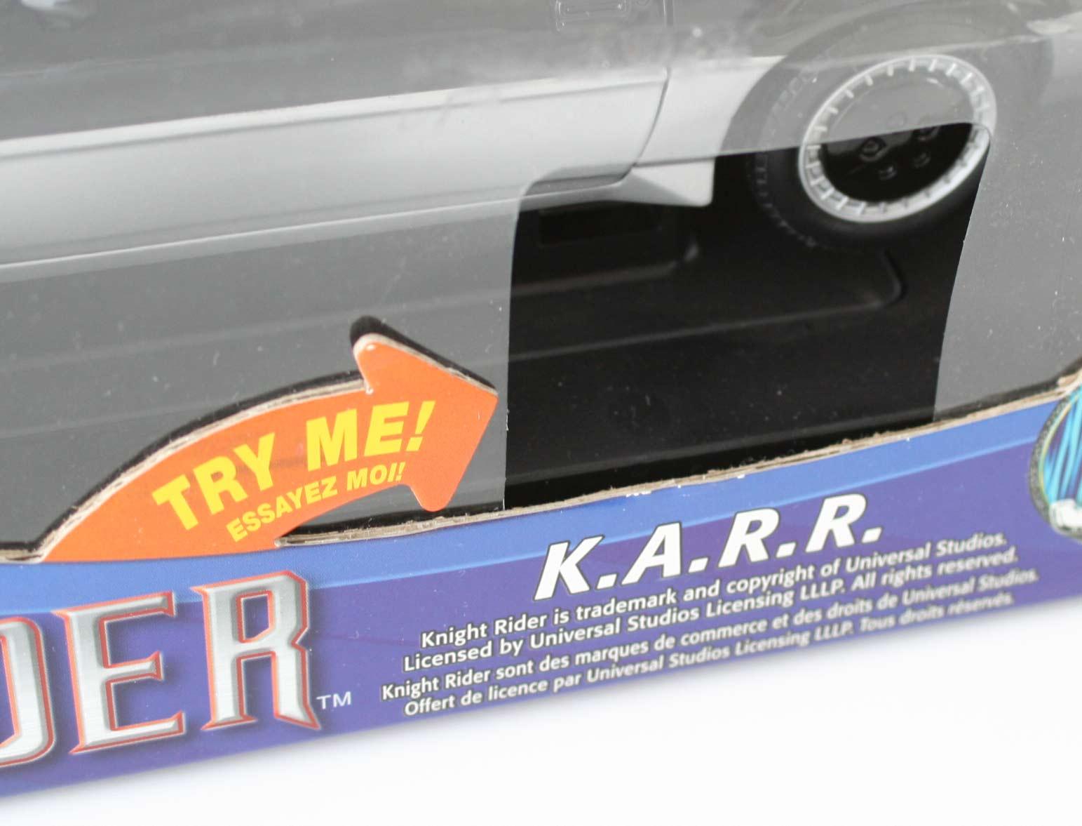 Le trou permettant d'appuyer sur le bouton de test du scanner. Malheureusement, à cause de ça, la poussière peut rentrer dans la boîte.