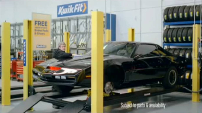 K.I.T.T. en révision chez Kwik Fit (K2000 - Knight Rider)