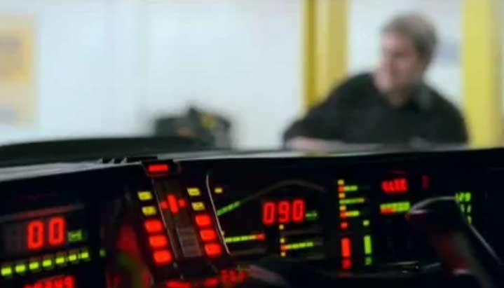 K.I.T.T. fait de la publicité pour Kwik Fit (K2000 - Knight Rider)