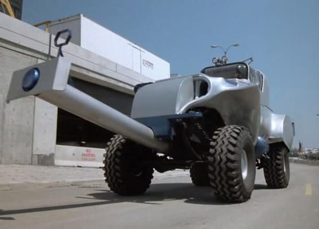 Ce tank a réussit à détruire KITT dont le revêtement moléculaire avait été altéré au préalable (K2000 - Knight Rider)