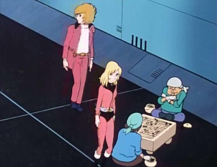 l'équipage encombre les couloirs pour jouer à des jeux de société ou dormir