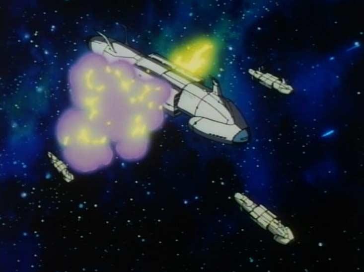 Un convoi spatial se fait attaquer et appelle Emeraldas à l'aide