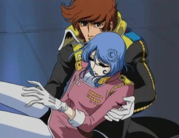 Warrius se précipite vers Marina qui a été touchée à l'épaule
