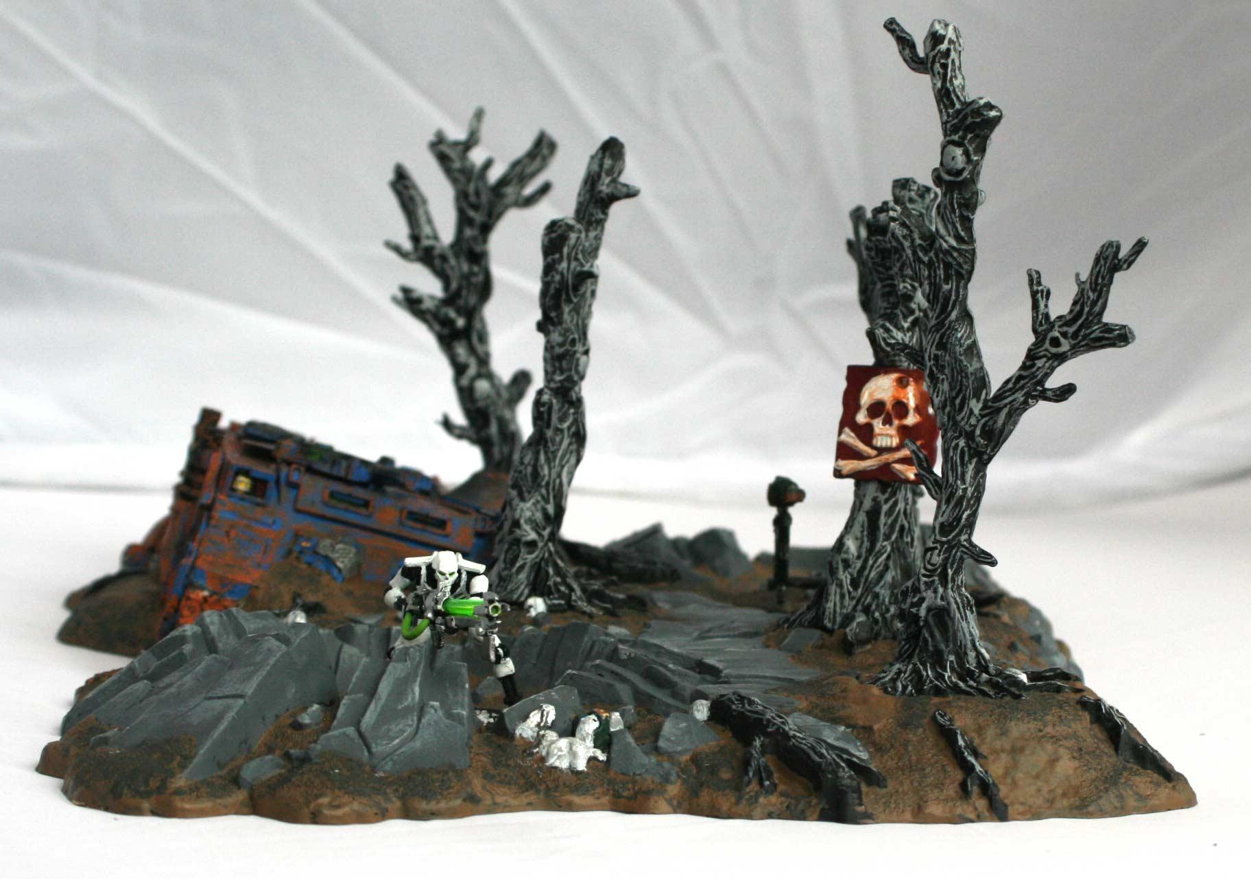 à l'intérieur du cratère une escouade de 4 à 5 personnages peut prendre place
