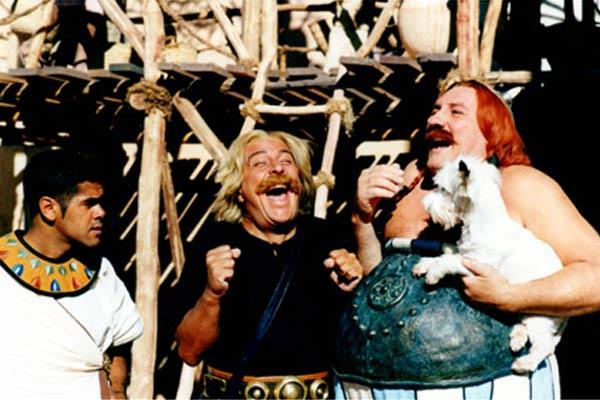 Fous rires entre Astérix, Obélix et Numerobis dans Asterix et Obelix : mission cleopatre