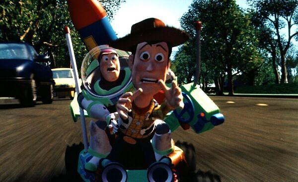 Buzz et Woody tentent de rattraper Andy
